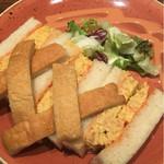 俺のBakery&Cafe - 蟹フランのサンドイッチ