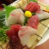 とと大郎 - 料理写真:かんぱち(680円)生まぐろ(680円)
