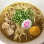 新旬屋 麺 - 金の鶏中華(880円)