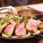 MEAT&WINE ワインホールグラマー - 牛フィンガーミート★THEステーキ