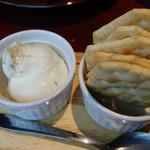 肉バルGABURICO - フレッシュガーリックチーズディップ
