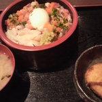 第八くえ丸 - 海鮮まぜぶつ丼\600