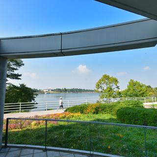ときわ湖を眺める最高のロケーションで一時を