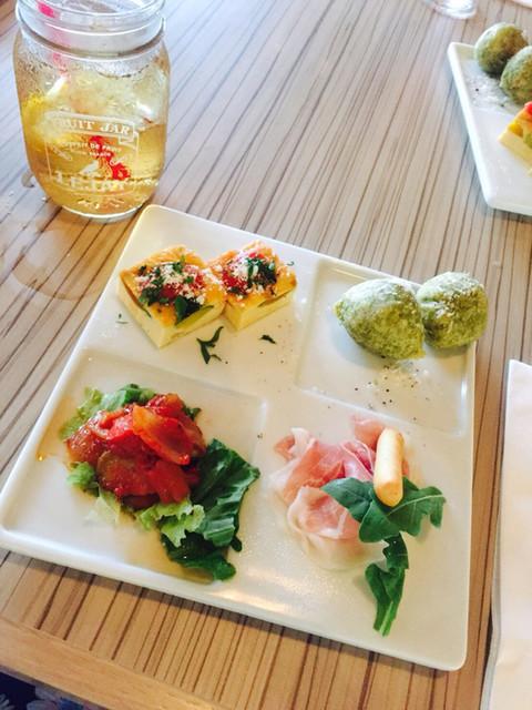 Trattoria&Pizzeria LOGIC お台場 (ロジック) - お台場海浜公園 ...