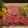 焼肉ノ志志 - 料理写真:厚切りタン・神戸牛ハラミ