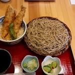 70961666 - 穴子天丼と蕎麦