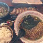 ひとしお - 餃子B定食(920円)