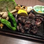軍鶏専門個室 東京しゃ門 - 東京しゃも 極み炙り焼き 中 1,382円