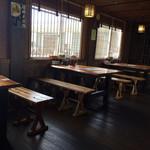 ひとしお - 内観(テーブル席)