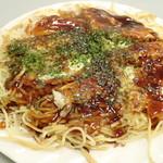 よっちゃん - 「広島風お好み焼き(肉・玉子入り)そば入り」(700円)