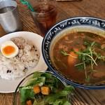 ポニピリカ - ★★★☆ 平日限定ランチ ほぐし鶏のスープカレー エビベース、5辛