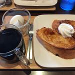 B.L.T. - 料理写真:アメリカンコーヒーとフレンチトーストのモーニング