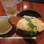 炉端バル さま田 - とろとろ玉子の角煮かつ丼¥700-