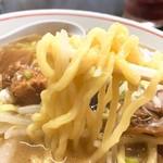 手打らーめん 勝龍 - 塩ニボダイス麺リフト