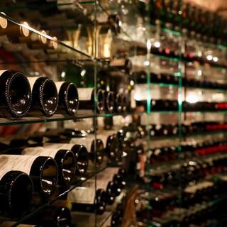 19世紀のワインもある、充実したオールドヴィンテージワイン