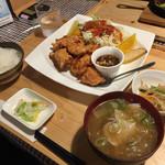 ハッピー食堂 - 鶏からあげ定食950円