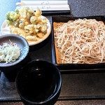 海鮮和彩 はなぜん - 舞茸としめじの天せいろ(900円)