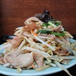 桃太郎 - 肉野菜炒めアップ