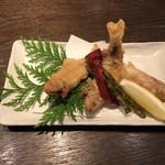小川の魚 - アルビノ唐揚げ