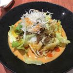 虎玄 一宮店 - 冷やし坦々麺    濃厚汁に中平打ち麺