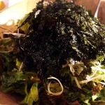 NO MEAT, NO LIFE.3rd - 最初のサラダ。ゴマ油が効いて美味い!