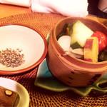 蒸亭 - 地野菜の蒸篭蒸し(ごま塩で)