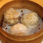 中国料理 琥珀 - 三種蒸し点心盛り合わせ