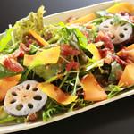 JA野菜とミモレットチーズサラダ