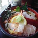 710838 - 双海町「潮路」海鮮丼(1200円)