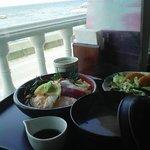 710840 - 双海町「潮路」大きな窓からは、海がよく見えます。