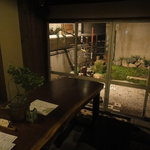食堂ルインズ - 店内奥