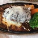 霜降りハンバーグとステーキの店 鉄重 - ワイルドハンバーグ+チーズフォンデュソース 1,230円