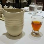 南国酒家 - 8年物甕だし紹興酒(中)300mlデキャンタ1,660円+税