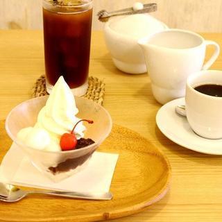ほんのり塩味が美味しいソフトクリーム「江ノ島塩バニラ」!