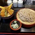 天ぷら かき揚げ 新次郎 - アナゴ天丼(大盛)と大そばセット