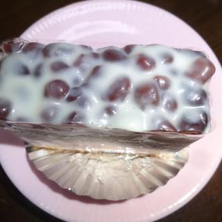 洋菓子舗 茂右衛門 - 料理写真:小豆のケーキ:2016年11月