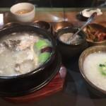 青鶴洞 - サムゲタン¥1,400