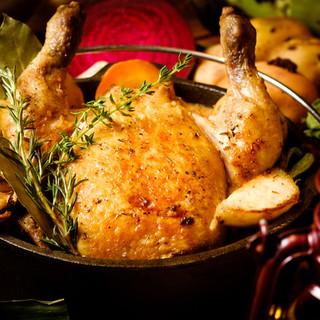 ◆ダッチオーブンで旨味溢れる肉料理が味わえる