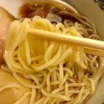 らーめん いまるや - 麺リフト【料理】
