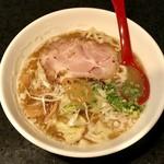 麺処 蓮海 - 鮪豚骨塩、770円です。