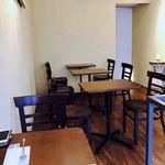 ジェラート専門店 SUGITORA - 二階のカフェ