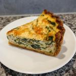 71020324 - ホウレンソウとチーズのキッシュ