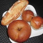 ベーカリー89 - 料理写真:ミルクフランス 170円、ベーグルコーヒーチョコ 190円、ベーグルだんご 130円