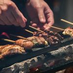 炭火串焼 白虎 - 店主の焼きの技は一本一本タイミングを見極め、最高の状態に。
