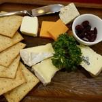 ビヤレストラン 銀座ライオン - チーズ盛り