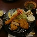 71026330 - 岩中豚赤身&エビ&ヒレ MIX定食。おろしポン酢付き。