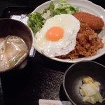 お好み焼・鉄板焼 巴 - そばめし定食(500円)