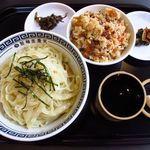 製麺屋慶史 麺ショップ 西月隈 - 10時提供開始  夏季限定 冷やしざるセット ( ざるラーメンにかしわ飯・うずらの卵2個 )¥700