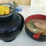 十五万石ラーメン - 日替りランチB(木曜) 豚キムチ丼とミニラーメン \690