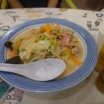 リンガーハット - 野菜たっぷりちゃんぽんミドルサイズ
